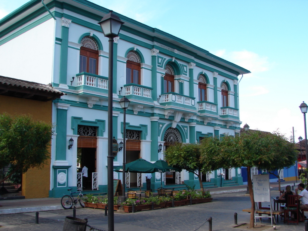 Colonial building along Parque Central