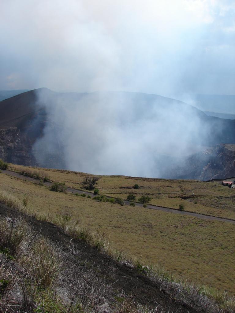Masaya sulfur dioxide gas