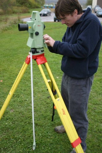 Leica Total Station (TCR1105) - Operating the Instrument